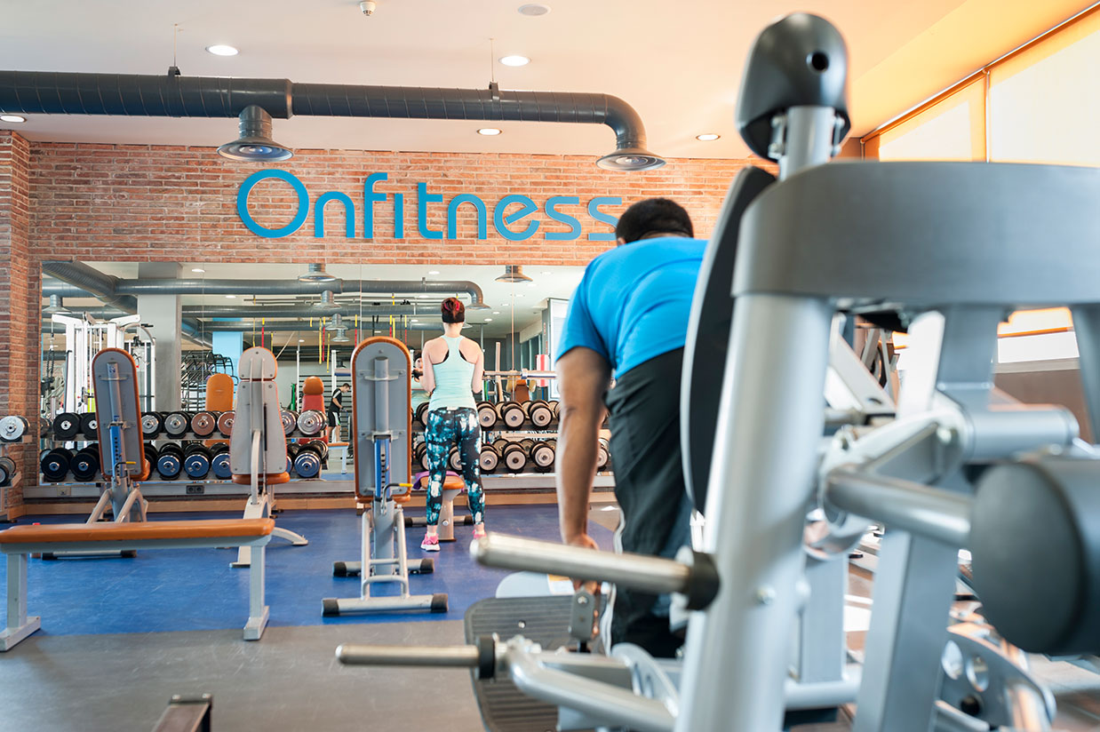 Instalaciones gimnasio on fitness for Gimnasio musculacion